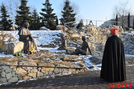 Cmentarz, krzyż, pomnik